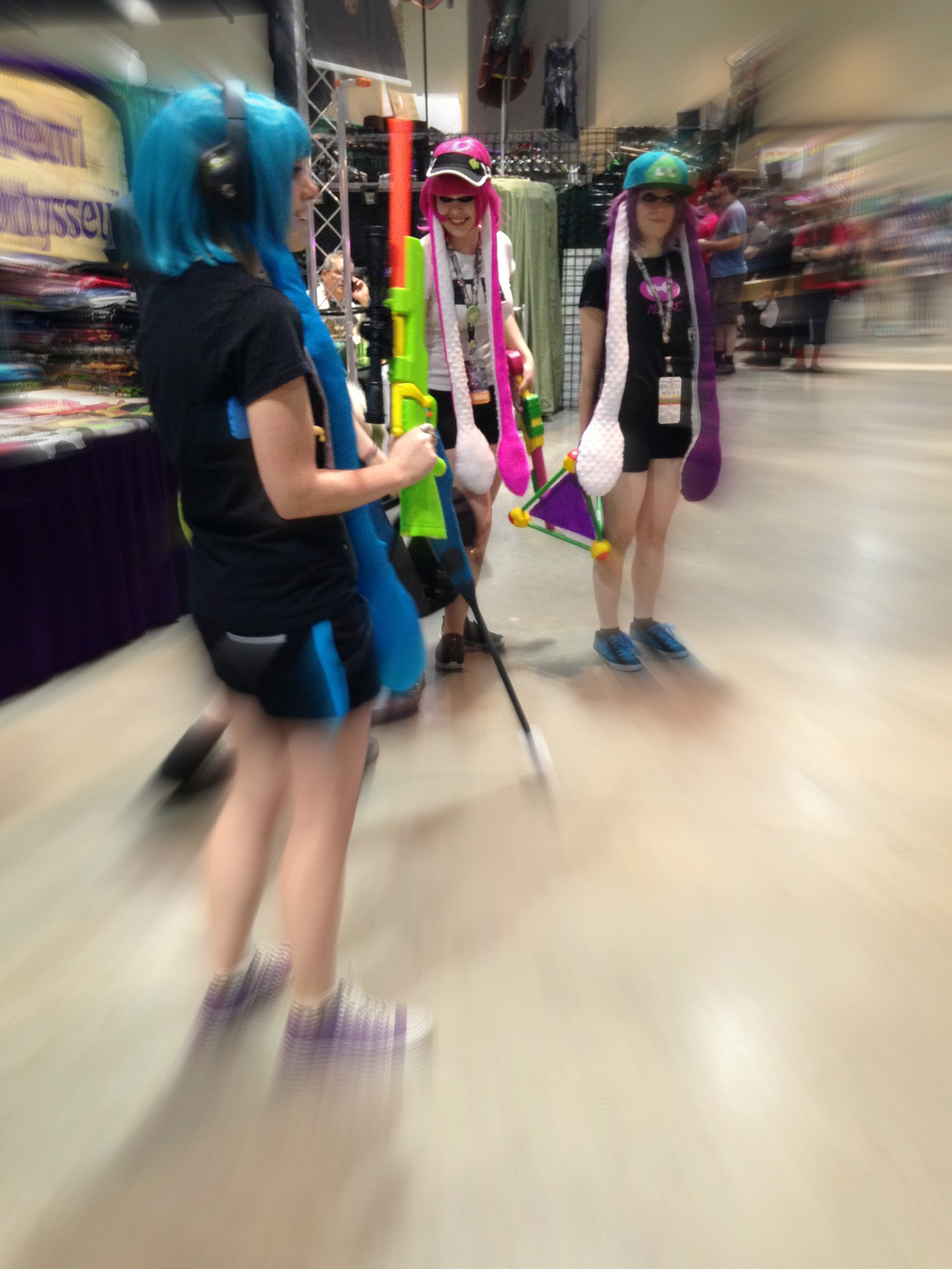 ARE YOU A SQUID OR A KID? splatoon cosplayers from ...